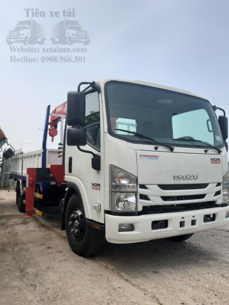 xe tải cẩu 5 tấn isuzu
