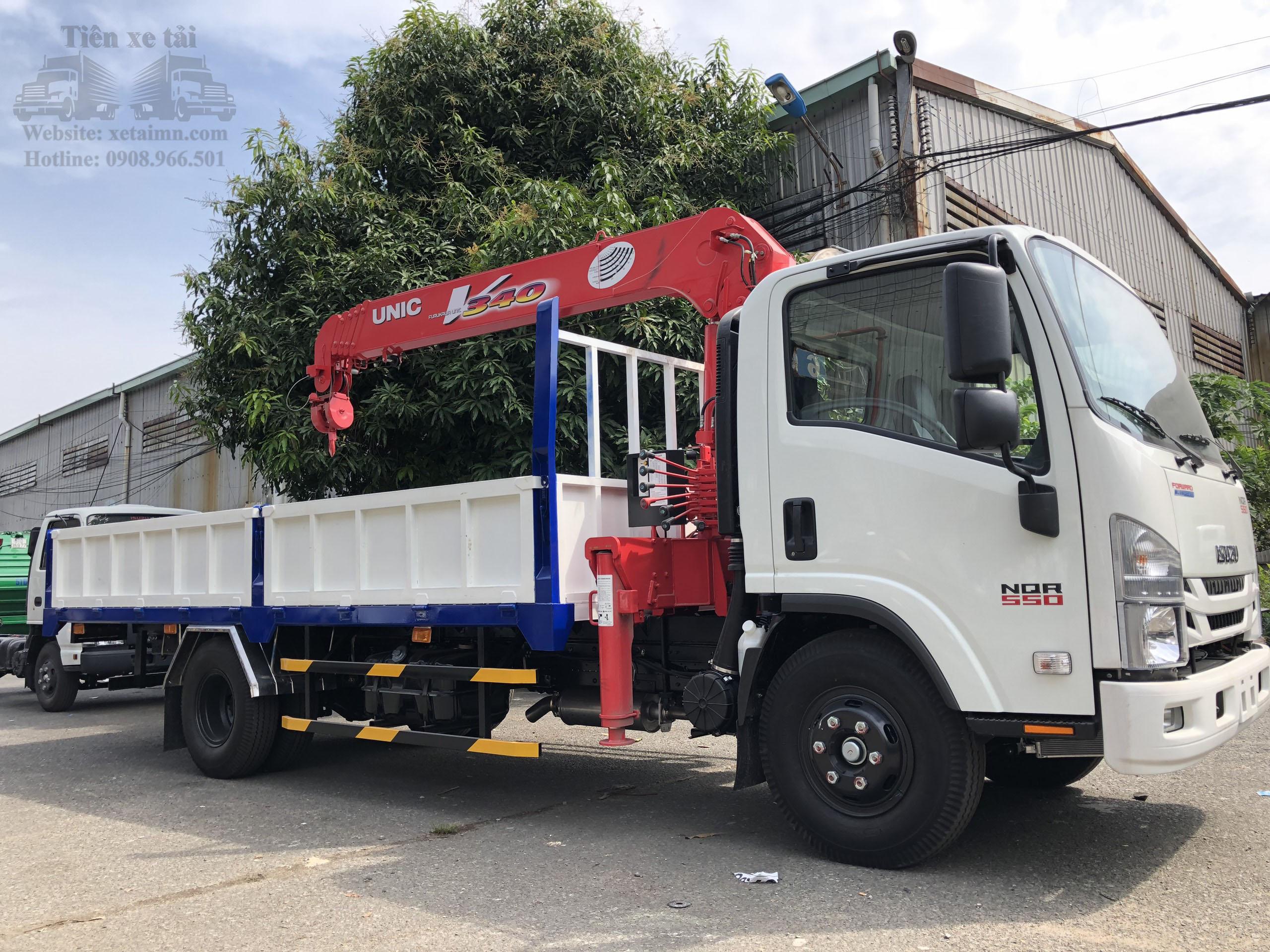 xe tải cẩu 5t isuzu