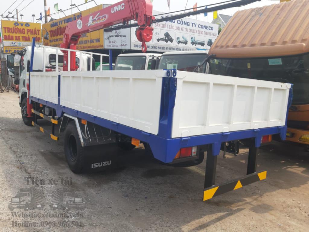 xe tải isuzu 5 tấn gắn cẩu