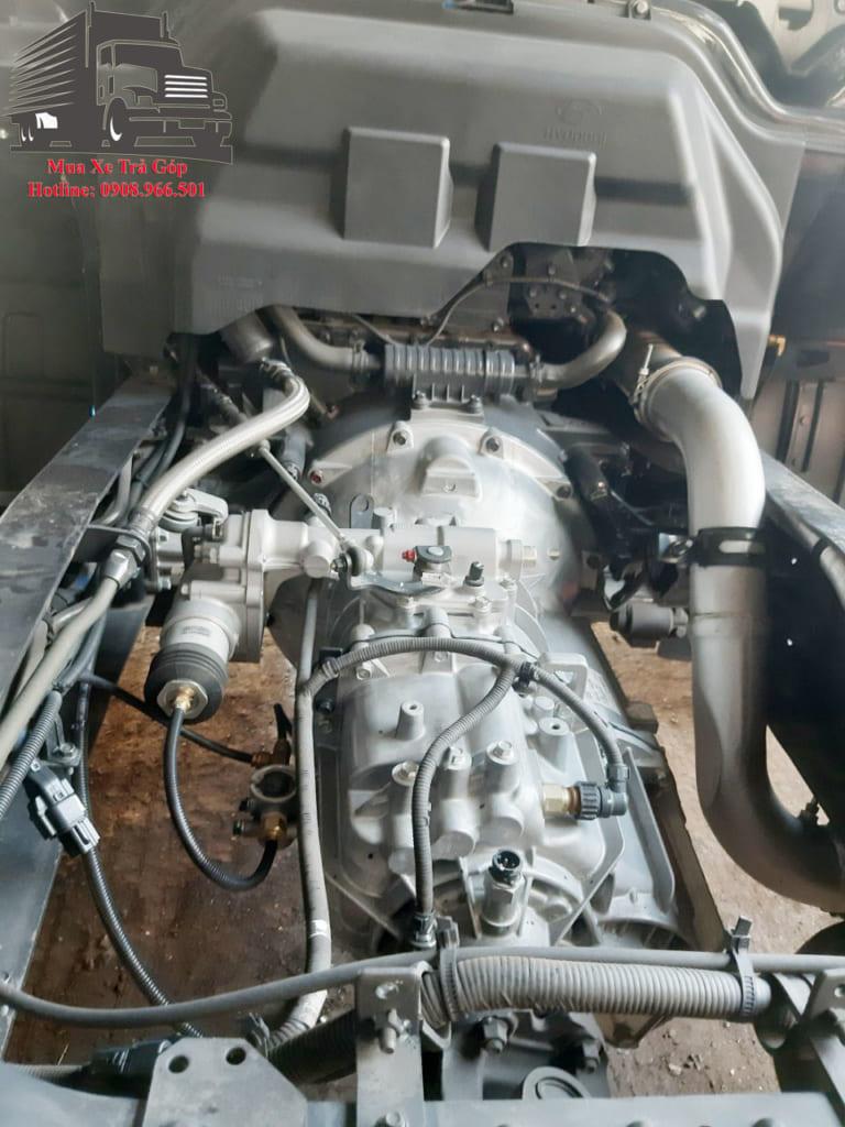 động cơ HYUNDAI HD240 GẮN CẨU