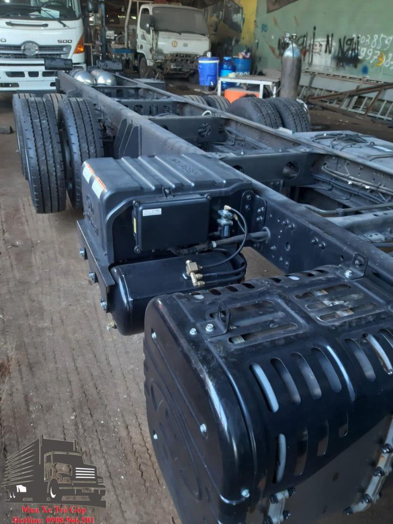 chassis HYUNDAI HD240 GẮN CẨU
