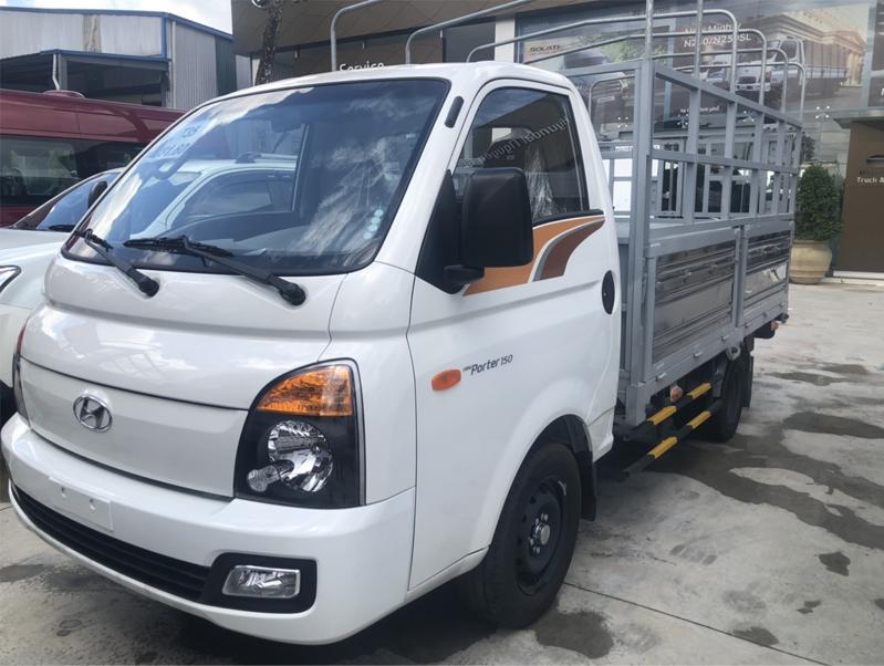 xe-hyundai-porter-150-thung-bat
