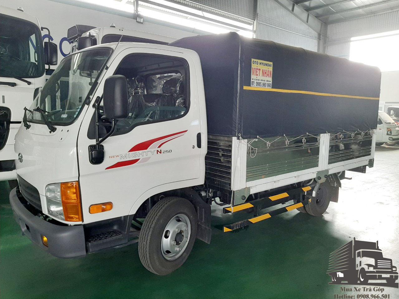 xe tải 2t5 hyundai thùng bạt