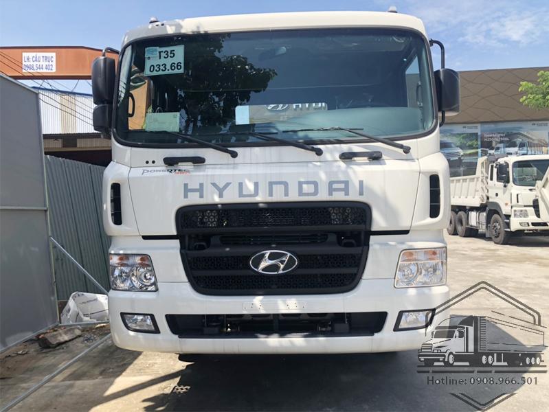 cabin-hyundai-hd320